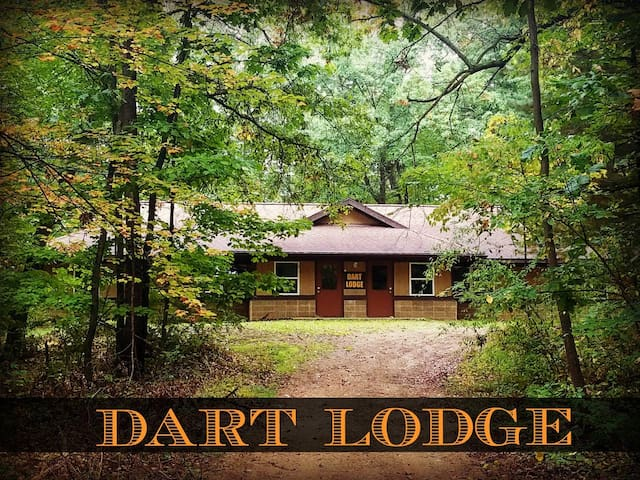 Sunset Place lodge in the woods (Dart)
