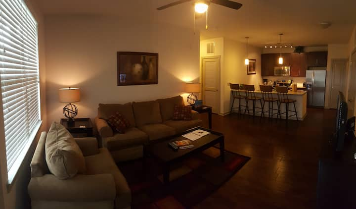 Spectacular 2 Bedroom apartment home in Ballantyne