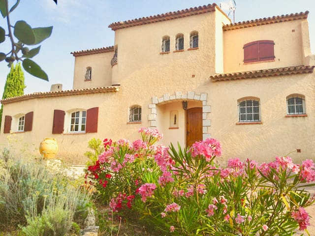 Typical French Riviera Villa - Pool, SeaView, AC-