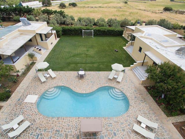 Naxos Cottage Estate