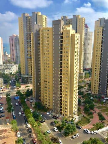75M²温馨海景二居室tv/wifi/浴室厨具齐备,紧靠栈桥火车站 - Qingdao - Lägenhet