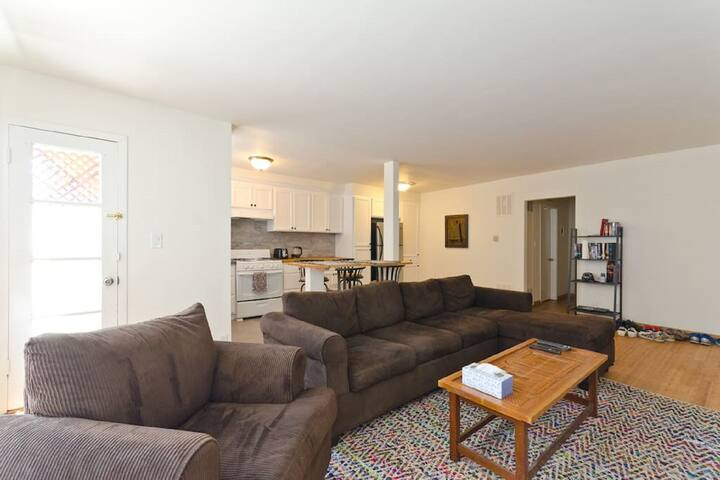 2 bed/2 bath apartment home in WeHo - West Hollywood