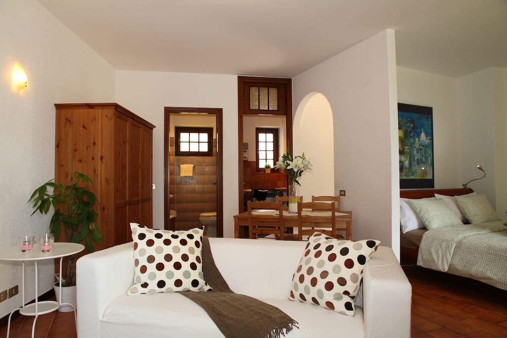 Appartamento lidia lago di lugano appartamenti in for Stanze affitto lugano