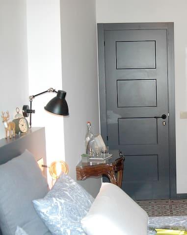 HABITACIÓN PRIVADA  INDEPENDIENTE, MUCHO ENCANTO - La Seu d'Urgell - Boutique hotel