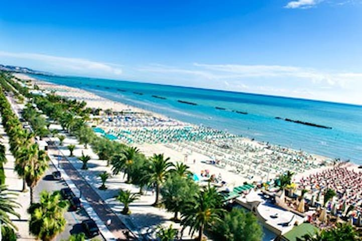 a pochi km dalle spiagge dal mare - Acquaviva Picena - Appartamento