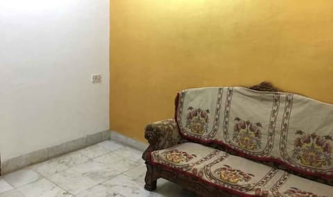 iROOMZ Shanbhag Towers Deluxe Double A/c Room