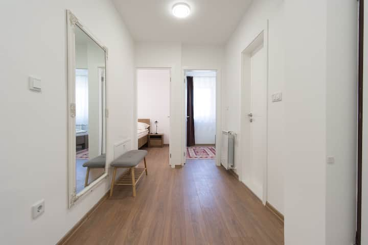 Brand new 2 bedrooms apartment amazing location