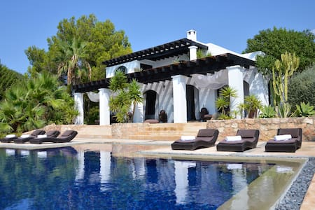 Serviced by LET US Host: Very Sexy Family House - Sant Josep de sa Talaia - Vila