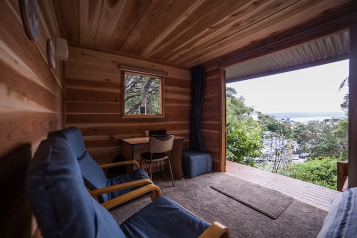 Cabin in bush setting on city fringe - Wellington - Cabin