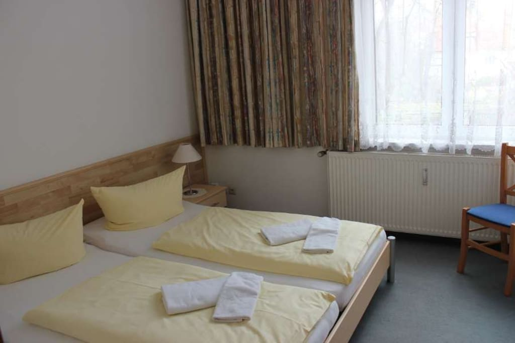 1. Schlafzimmer ruhig zur Hofseite
