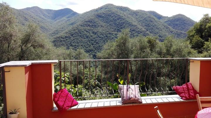 Rustiek appartement in de Italiaanse riviera