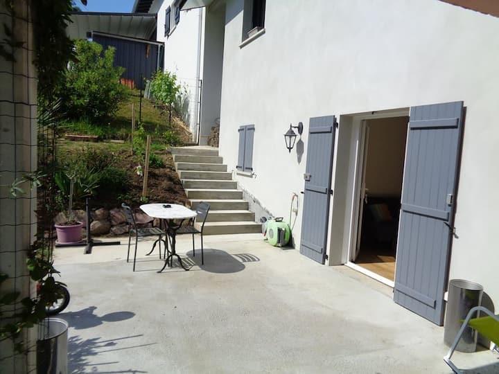 Appartement rez de jardin à 5 minutes de Bayonne