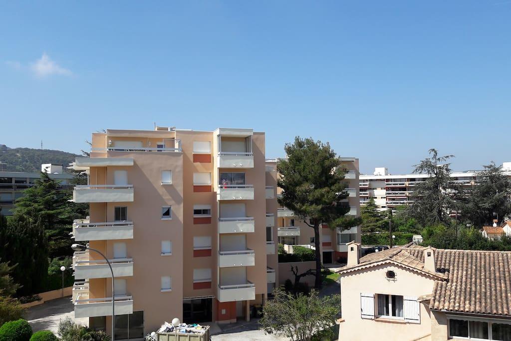 From the balcony/ Du balcon