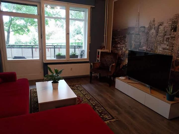 Wonderful Gorgeous Fully Furnished Apt Great loc!