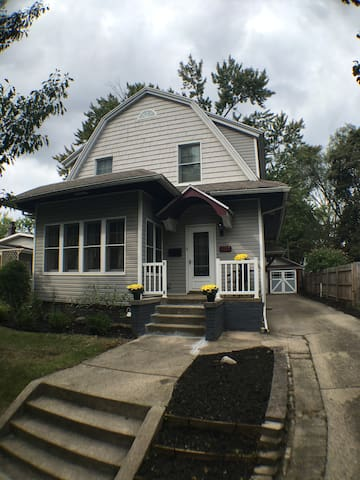 NEW Remodel a few blocks from ND and Eddy Street. - South Bend - Ev