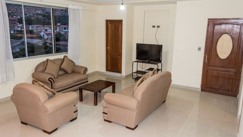 Hermoso departamento, zona residencial con parqueo - Cochabamba