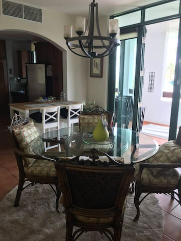 Cozy family style villa!