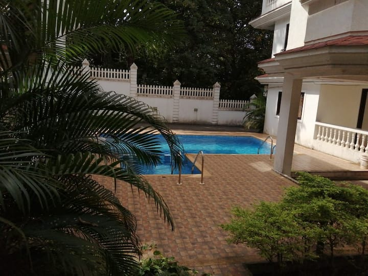 1bhk fully furnished with AC and pool in siolim