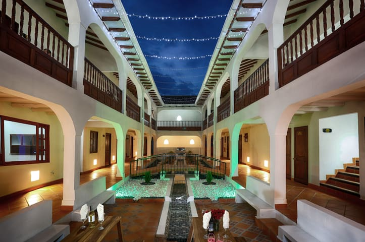 New - HOTEL VDL COLONIAL /  DOUBLE DELUXE ROOM