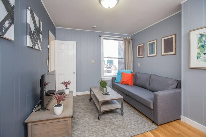 Charming 2BR in the Heart of Little Italy
