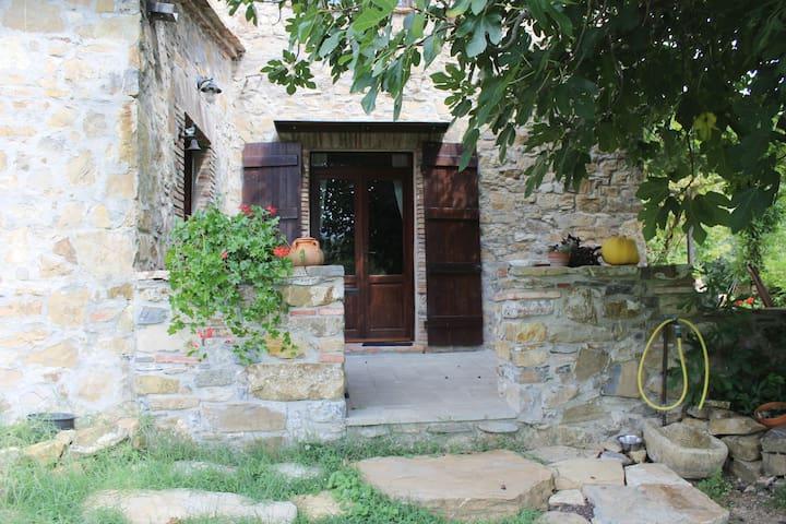 Romantico casale tra le colline Toscane