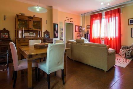 Spazioso e luminoso appartamento a Lucca