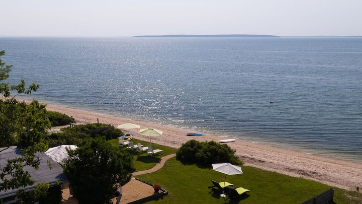 Cottage-Chic Bayfront Home Overlooking Peconic Bay, Beach Access, Outdoor Entertaining