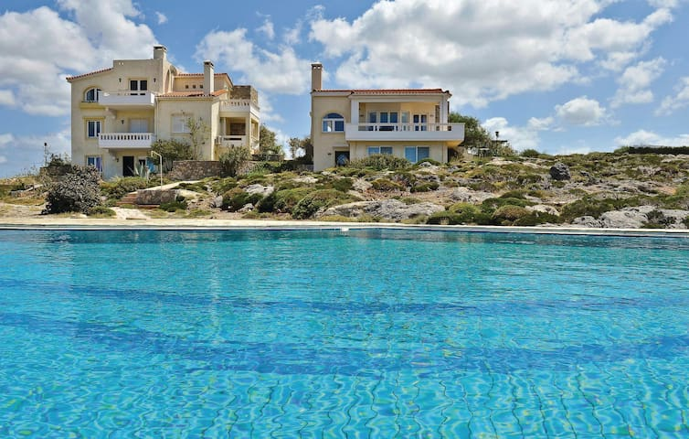 Holiday cottage with 3 bedrooms on 100m² in Chania/Kreta