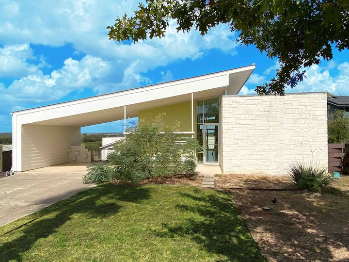 Modern Austin home with a view
