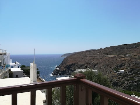 Kastro Gate Sea View House.    ( Sifnos _ Kastro )