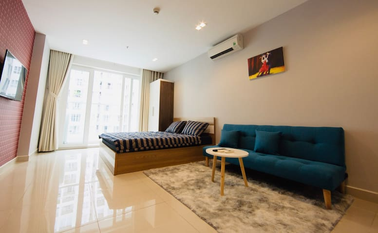 5* Sky Center 1BR Apt with Balcony & Pool View