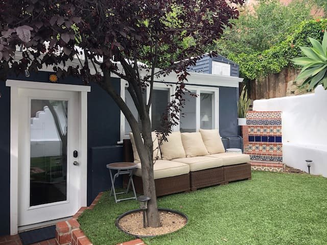 New, Private & Charming Casita in Laurel Canyon