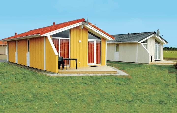 Holiday cottage with 2 bedrooms on 58m² in Friedrichskoog