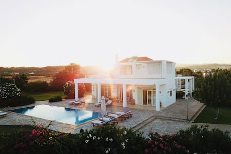 Belvedere Beachfront Villa in Rhodes