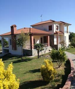 Villa with garden near Stavros beach, Halkidiki