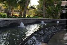 小区里迷你喷泉