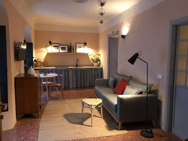 Stylish Ronda flat in 18 C house with shared pool
