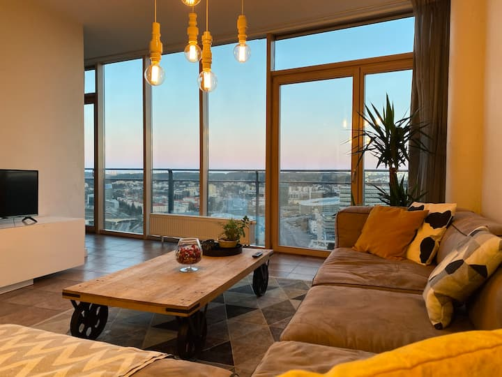 Amazing view Of The Exclusive Penthouse Apartment
