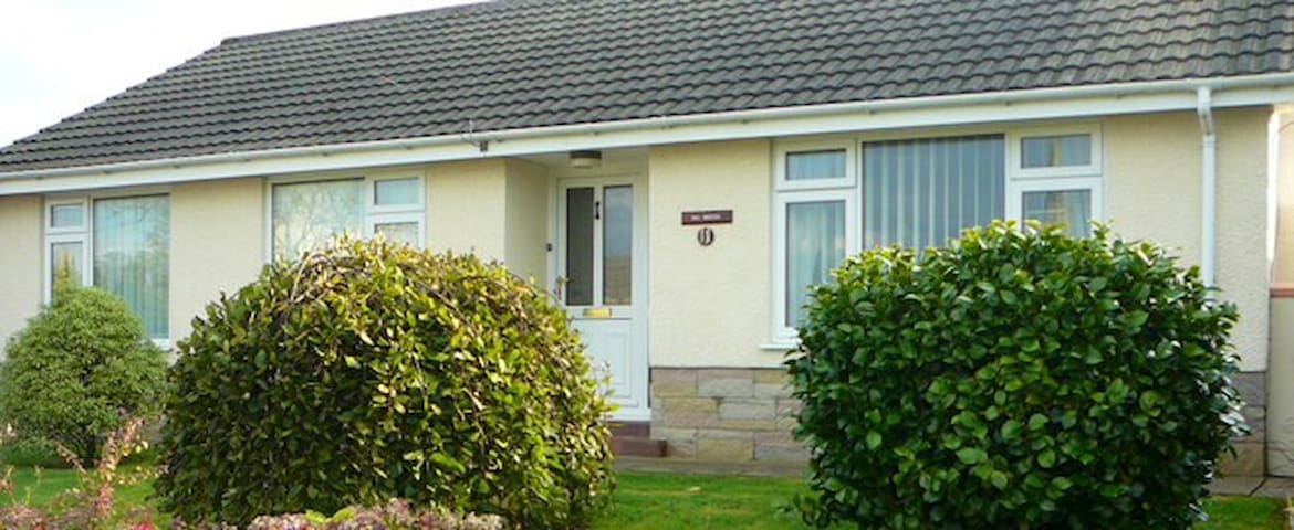 Hill Breezes self-catering bungalow - Simpson Cross - Bungalov