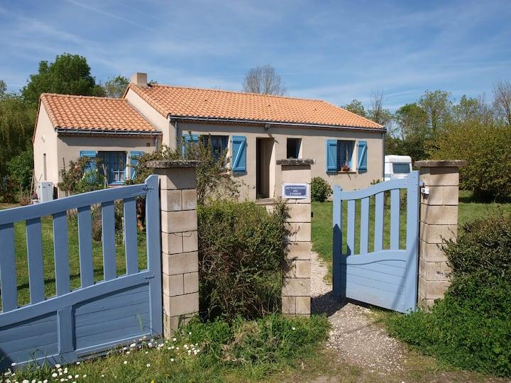 Maison de campagne avec grand jardin