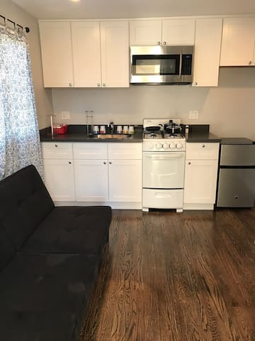 Beautiful Cottage 1 Bedroom/1 Bath/Kitchen (Baden) - South San Francisco - Wohnung