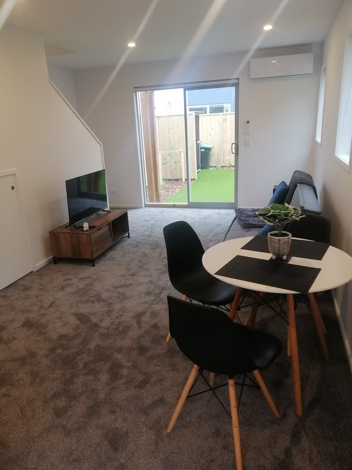 Christchurch Central Townhouse. Great location!