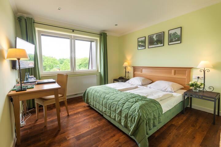 naturnahes Komfort Doppelzimmer Hotel Gut Altona