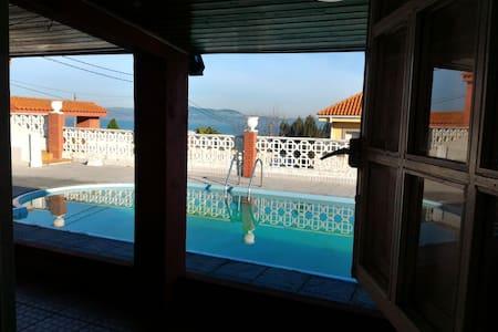 Finca con vistas al mar y piscina privada - Sada - House