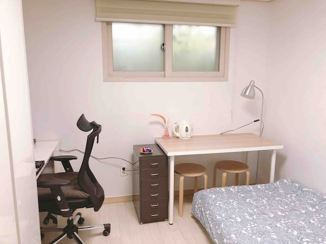 Janet#3- Smart Cozy Studio @YEOUIDO
