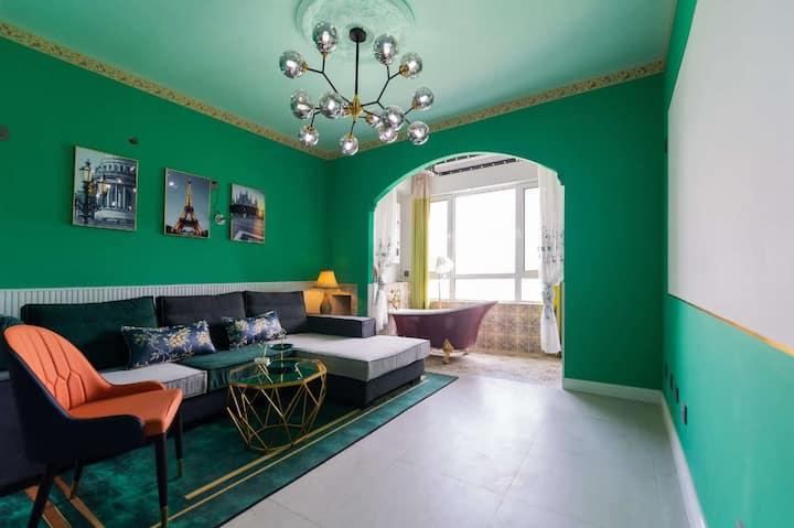 彩虹糖*忘忧森林|两室两厅|零压双大床|大浴缸|投影|新华路东风街路口|近市政府