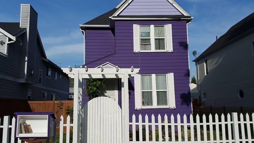 Purple Palace-Pink Lady Room