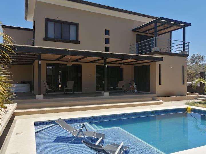 Casa Ave del Sol - Liberia - Casa 5 hab. con baño