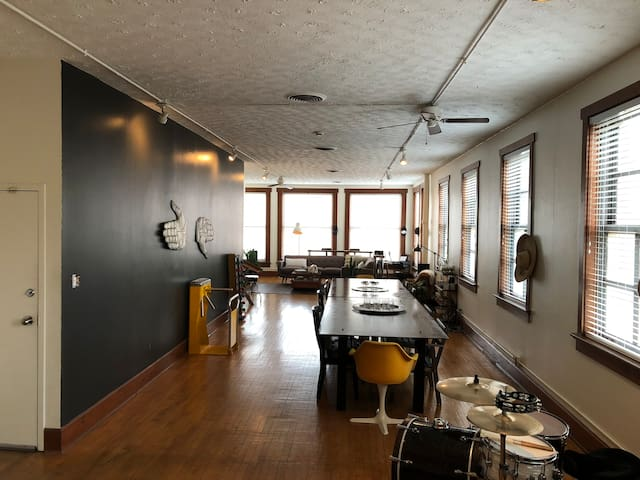 Downtown Loft/Office/Creative Space