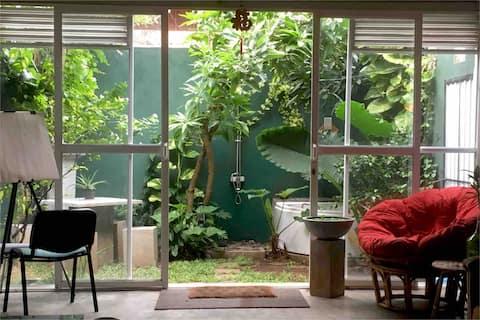 Studio in Colombo with Garden